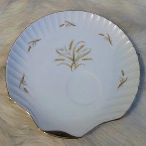 Vtg White Porcelain Gold Trim Shell Shaped Plate